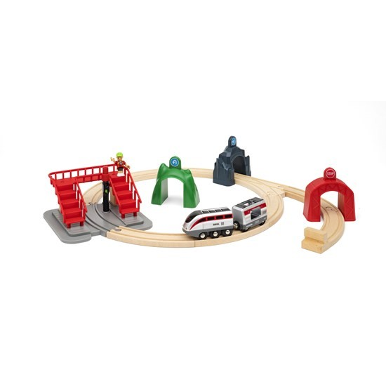 BRIO Smart Engine Set with Action Tunnels (33873)